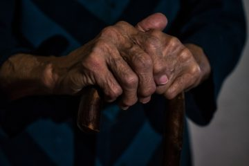 Hands 5049725 1920
